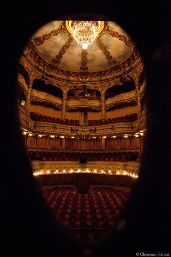 Not I Footfalls Rockaby Athénée Théâtre Paris Clémence Hérout Louis Jouvet lustre Beckett