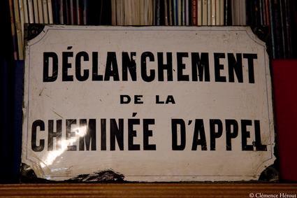 Athénée panneaux cheminée d'appel Clémence Hérout